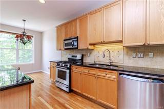 Townhouse for sale in 2 brook Lane, Watertown Town, CT, 06810
