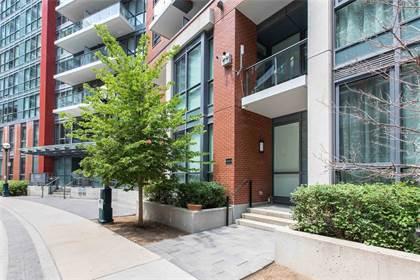 Condominium for sale in 50 Bruyeres Mews Th10, Toronto, Ontario, M5V 0H9