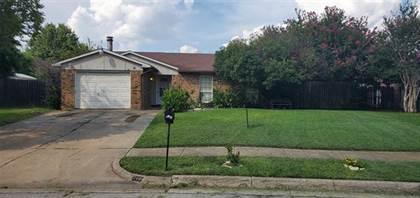 Residential for sale in 709 Lawndale Drive, Arlington, TX, 76017
