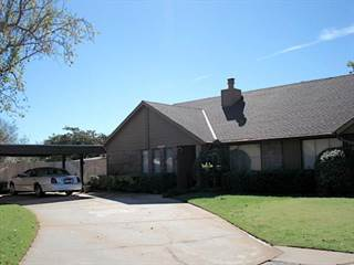 Townhouse for sale in 6800 NW 63rd Terrace, Oklahoma City, OK, 73132