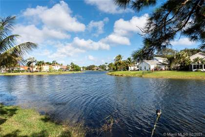 Residential for sale in 3144 Peachtree Cir, Davie, FL, 33328