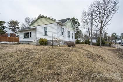 Residential Property for sale in 53 Selkirk Street, Petawawa, Ontario, K8H 1P3