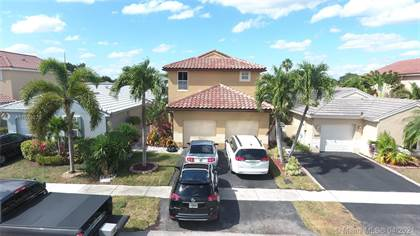 Residential for sale in 18447 NW 21st St, Pembroke Pines, FL, 33029