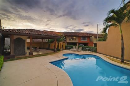 Condominium for rent in Preciosa Casa Mediterranea│ 3 HAB + Sala TV│ Amplia, Santa Ana, San José