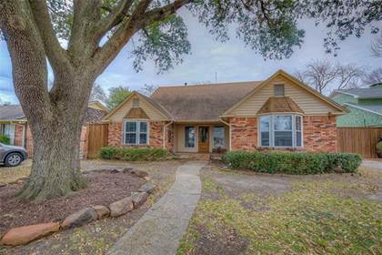 Residential for sale in 2216 Peavy Circle, Dallas, TX, 75228