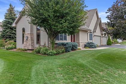 Residential Property for sale in 489 Sutherland Cir, Oconomowoc, WI, 53066