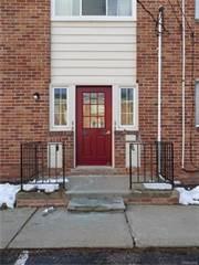 Condo for sale in 32718 GRAND RIVER C 23, Farmington, MI, 48336