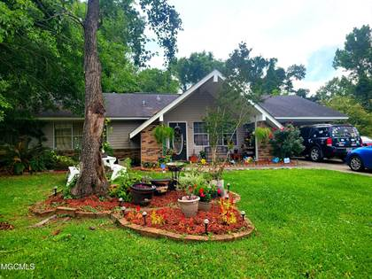 Residential Property for sale in 2143 Crestwood Dr, Picayune, MS, 39466