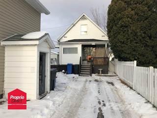 House for sale in 815 Rue St-Bernard, Alma, Quebec, G8B4R7