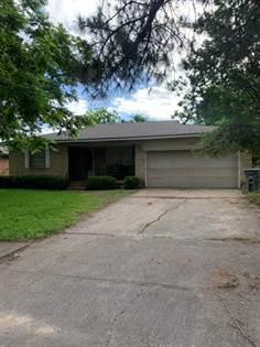 Residential for sale in 1525 Gardenside Drive, Dallas, TX, 75217