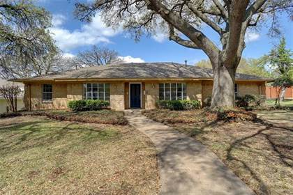 Residential for sale in 1803 Tennyson Drive, Arlington, TX, 76013