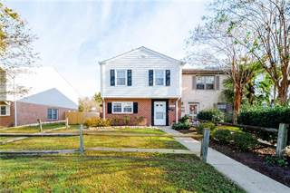 Townhouse for sale in 836 Westminster Lane, Virginia Beach, VA, 23454