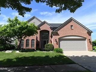 Photo of 1693 Snowy Owl Court, Rochester, MI