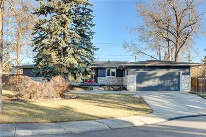 Single Family for sale in 6904 Kent PL SW, Calgary, Alberta
