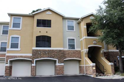 Condo/Townhome for sale in 8539 GATE PKWY, Jacksonville, FL, 32216