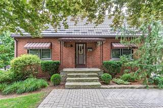 Residential Property for sale in 276 Fiddler's Green Road, Hamilton, Ontario