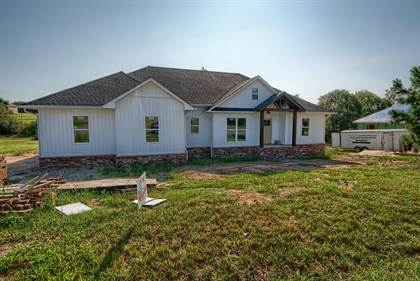 Residential Property for sale in 715 Stonegate Drive, Russellville, AR, 72802