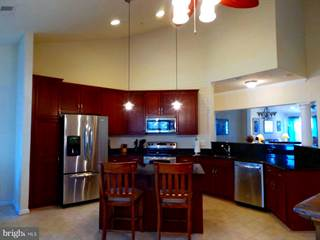 Condo for sale in 333 OYSTER BAY PLACE 402, Dowell, MD, 20629