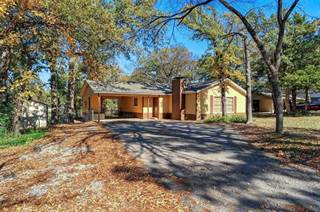 Single Family for sale in 329 Comanche Drive, Lake Kiowa, TX, 76240