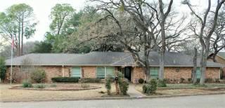 Single Family for sale in 2313 Robinhood Drive, Grand Prairie, TX, 75050