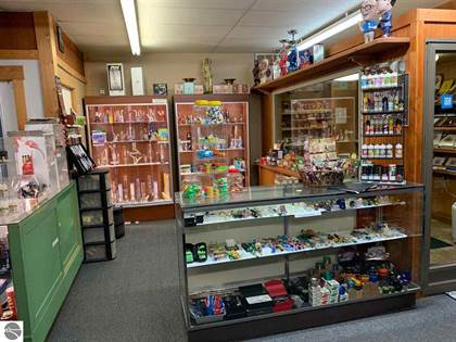 Commercial for rent in 3087 W Houghton Lake Drive, Houghton Lake, MI, 48629