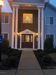 Condo for sale in 2603 Bradford Commons Dr 102, Louisville, KY, 40299