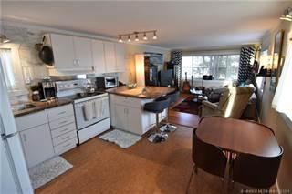 Residential Property for sale in 321 Fleet Street SW, Medicine Hat, Alberta, T1A 7Z4