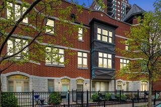 Townhouse for sale in 1703 South Prairie Avenue, Chicago, IL, 60616