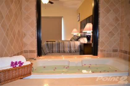 Residential Property for rent in Deluxe condo for rent, one block to the beach, Los Cabos, Baja California Sur