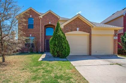 Residential Property for sale in 8024 Valley Crest Drive, Fort Worth, TX, 76120