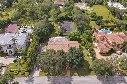 Residential for sale in 6950 SW 62nd St, Miami, FL, 33143