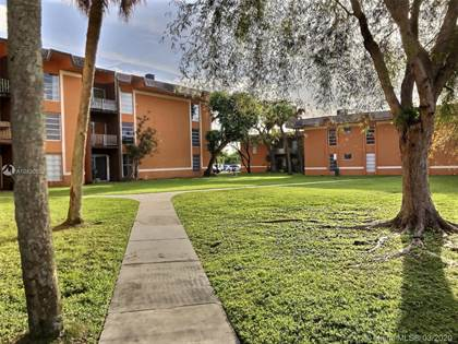Residential for sale in 9423 SW 76th st W21, Miami, FL, 33173