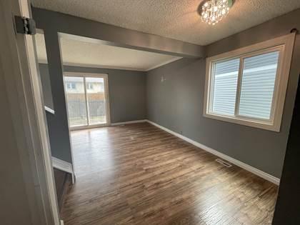 Single Family for sale in 1411 MILLWOODS RD E NW 26, Edmonton, Alberta, T6L4T3