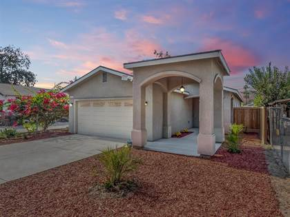 Residential for sale in 436 S Whitney Avenue, Fresno, CA, 93702