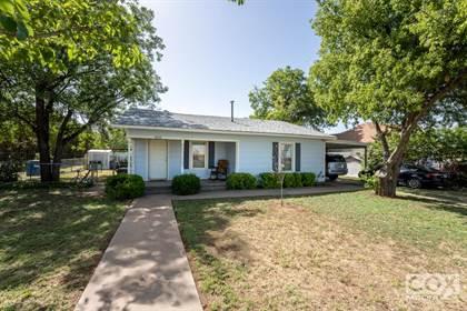 Residential for sale in 805 East Ave, Ballinger, TX, 76821