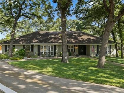 Residential for sale in 2509 Oak Manor Court, Arlington, TX, 76012