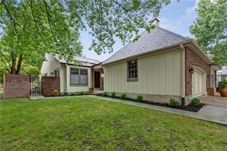 Townhouse for sale in 12804 Cambridge Road, Leawood, KS, 66209