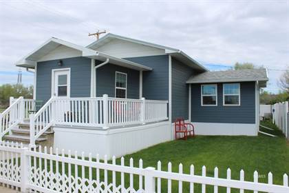 Residential for sale in 400 Currie Ave, Fallon, MT, 59326
