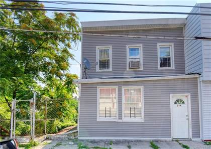 Multifamily for sale in 256 Edwards Place, Yonkers, NY, 10703