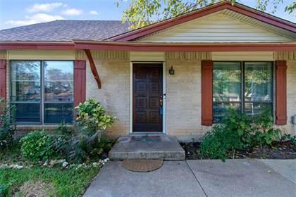 Residential for sale in 1302 Shelmar Drive, Arlington, TX, 76014