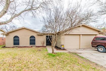 Residential for sale in 7412 Beckwood Drive, Fort Worth, TX, 76112