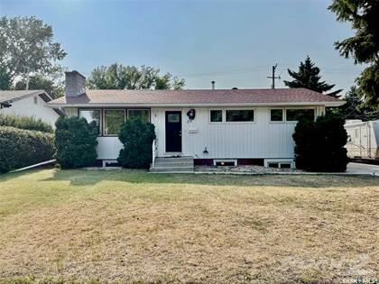 Residential Property for sale in 20 Oliver CRESCENT, Saskatoon, Saskatchewan, S7H 3C8