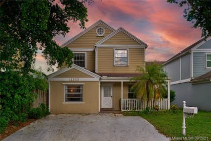 Residential for sale in 11363 SW 117th Ct, Miami, FL, 33186