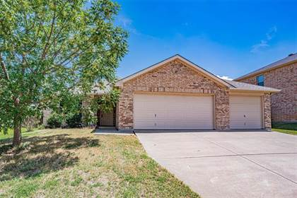 Residential for sale in 8127 Mossberg Drive, Arlington, TX, 76002