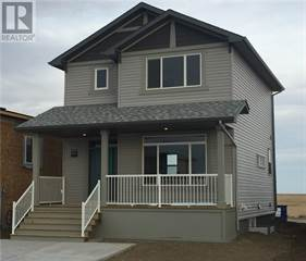Single Family for sale in 890 Greywolf Run N, Lethbridge, Alberta