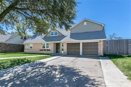 Residential for sale in 900 Rosewood Lane, Arlington, TX, 76010