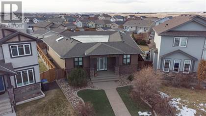 Single Family for sale in 732 Mt Sundance  LANE W, Lethbridge, Alberta, T1J0T3