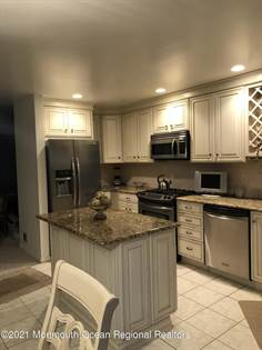 Residential Property for sale in 335 Scarlet Court 33H5, Toms River, NJ, 08753