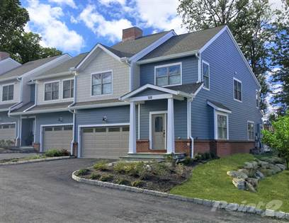 Townhouse for sale in 324 Overlook Court 46, South Salem, NY, 10590