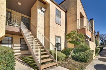 Residential for sale in 1741 Crest Grove Drive, Arlington, TX, 76012
